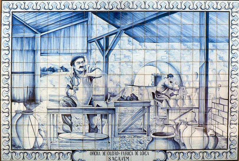 John Stott Howorth bought the Fábrica de Loiça de Sacavém, which prospered